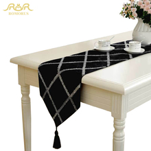ROMORUS European Black Table Runner luxury Velvet Plaid Table Cover for Wedding Home Table Decoration 30*160CM/30*200CM/30*220CM(China)