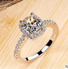 Luxury 2 Carat SONA Simulated 2017 Engagement Rings Princess Cut Cushion Ring Women Synthetic 2017 Engagement Wedding Ring