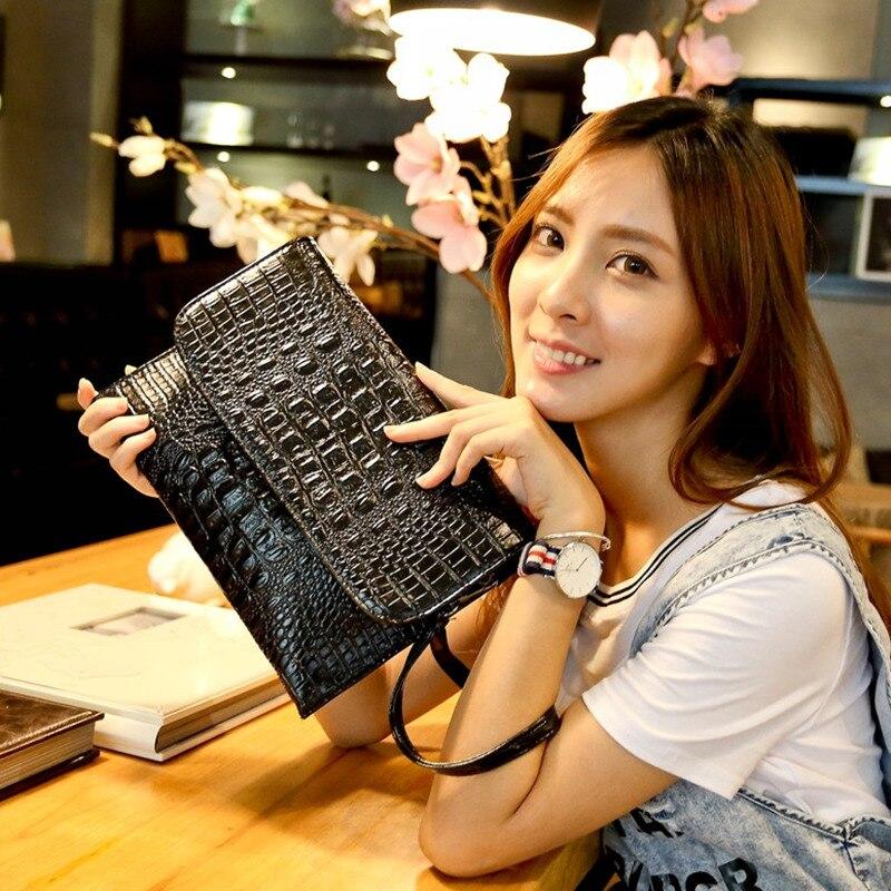 2017 Korea fashion crocodile women messenger bags female Simple Shoulder women bag leather envelopes Clutch bag<br><br>Aliexpress