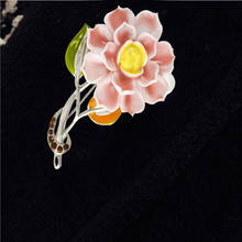 Fashonable Jewelry Women Flower Brooch Bouquet Cheap Wedding Dresses Brooches Broches Mujer Vintage Bijoux Femme Lover's Gift(China)