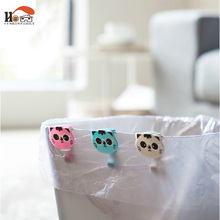 CUSHAWFAMILY 2 pcs cute cat Folder/Dustbin Clamp/Waste Bin Bag Clip,garbage bags non-slip clip,trash can retaining clip Holder