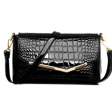 brand women messenger bags crocodile pattern patent leather handbag female small shoulder bags envelope clutch crossbody S-69