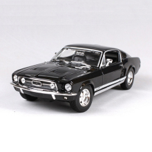 1/18 Scale Maisto Mustang 1967 GTA Fastback Muscle Models Black and Green Children Gifts For Boys Collections Displays(China)