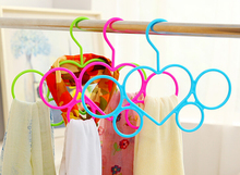 [Free shipping] Colorful Sweet Heart Plastic Hanger for Clothes and Scarves  (20 Pieces / Lot)