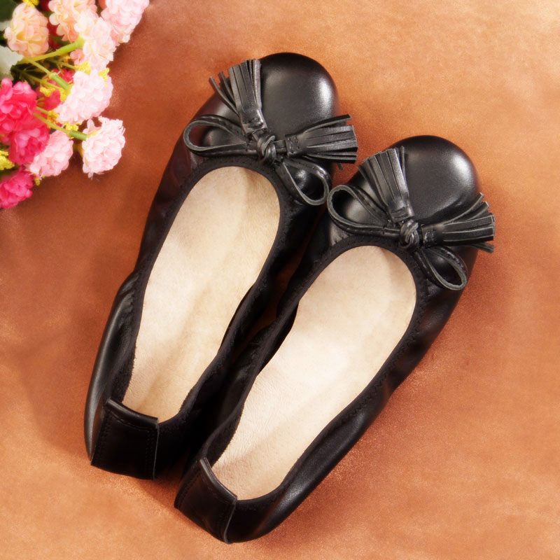 2017 New Women Genuine Leather Mother Shoes Moccasins Womens Soft Leisure Tassel Flats Female Driving Loafers Shoe Flat<br><br>Aliexpress