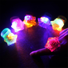 Led Wedding Dress Led Light Up Flashing Star Love Valentines Day Rings 48 Pieces/lot Finger Ring Party Favors Top Selling Toy