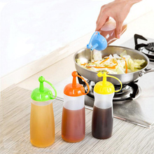 Hot 1 Pc Kitchen Food Grade Vinegar Pot Seasoning Sauce Ketchup Bottles Home Oiler Leakproof Seal Cooking Tools Accessories 2017