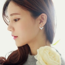 New Arrivals Korean Fashion Imitation Pearl Earrings Small Daisy Flowers Hanging After Senior Female Jewelry Stud Ear Rings