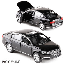New 1:32 Volkswagen Magotan Diecast Alloy Car Model With Pull Back Flashing Classical Car For Children Toys Free Shipping