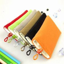 Showkoo Universal Cloth Pouch Bag for iphone MP3 Mp4 Case Portable Bag For Sony For blackberry for wiko(China)