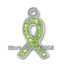 10pcs a lot silver plated pewter lime green Austrian crystal ribbon charms for bracelet and necklaces(China)