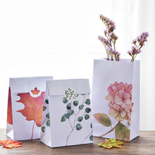 3pcs/set 23*13cm Flowers leave plants Paper bag Best Gift Bags with Sticker for Christmas Wedding Party Candy Food Packaging bag(China)