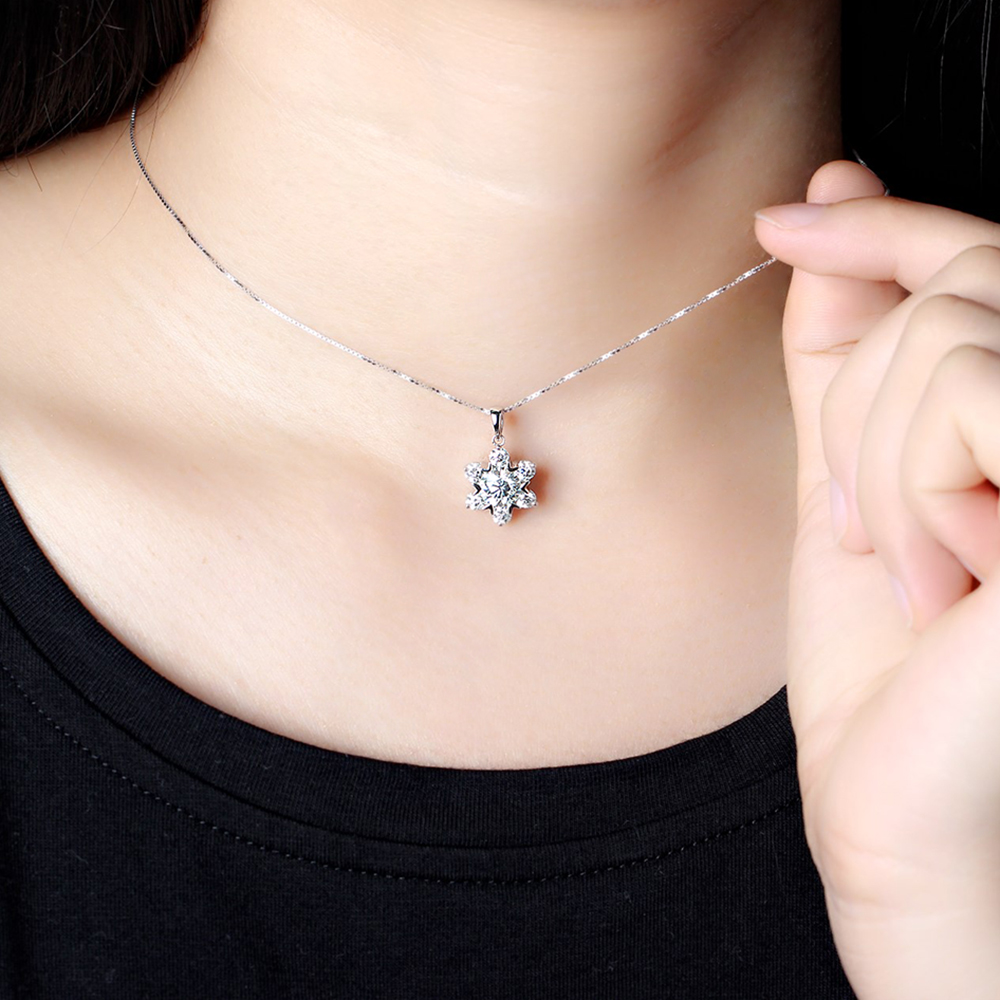flower shape moissanite brilliant gemstone necklace (8)
