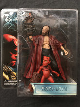 MEZCO Hellboy Rasputin Master and  the boy Collector Action Figure