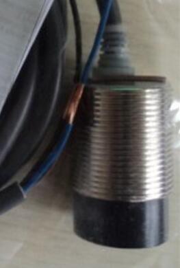 Free Shipping 2Pcs/lot New Switch E2G-M30KN18-WS-B1 DC three wire PNP normally open sensor<br><br>Aliexpress