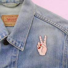 1 PCS Peace Hand Clothes Embroidered Iron on Patches for Clothing DIY Stripes Motif Appliques parches bordados 5.3*2.2 CM @D2