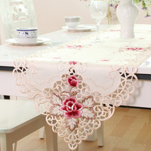 European rural embroidered creamy white table runner High-grade tablecloth eat mat Modern bed flag table decoration