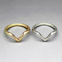 Timlee Free Shipping, R134 ,New Vintage Triangle Arrow Finger Rings,Fashion Jewelry Wholesale