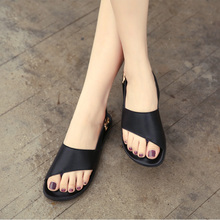 2016 European summer women flat thick open toe slippers suite toe buckle glitter sandals genuine leather female designer sandals