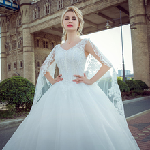 Real Bride Sexy V-neck Vintage Rhinestone Wedding Dress 2017 Bridal Gowns Modest Plus Size Wedding Dress Robe De Mariage 2017(China)
