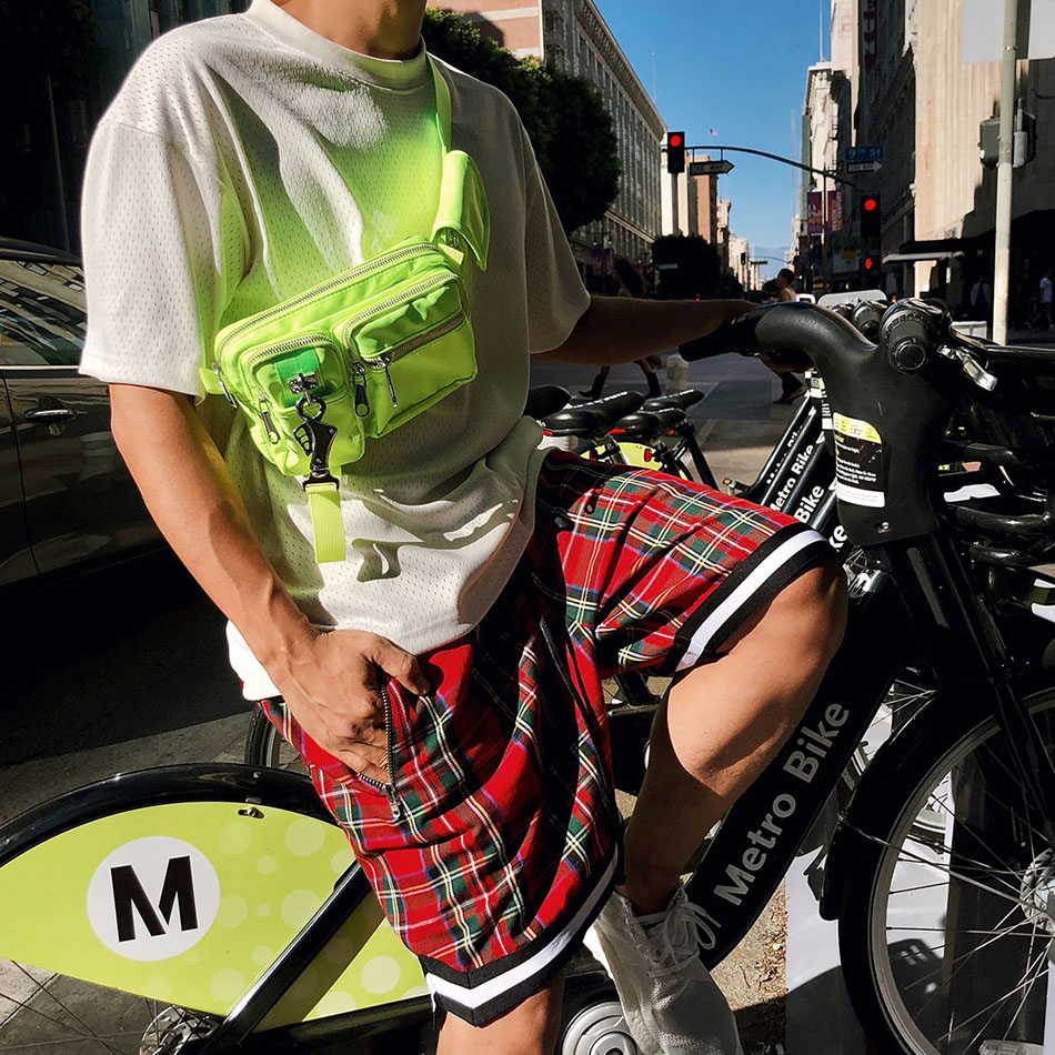 Men's Scottish Plaid Shorts Oversized Baggy Shorts Streetwear Mesh Tartan Drop Crotch Shorts Men Side Zip Stretch Knee length