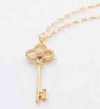 free shipping 2017 New Style Hot Fashion Hollow Crystal Key Chain Clavicle Necklace Cheap Vintage for women Jewelry Wholesales