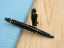BLACK Lotus flowers carp Metal golden piece Trim Fountain Pen
