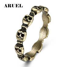 ARUEL Heat Punk Skull Head Finger Ring Men & Women Fashion classic Charm Cocktail Ring Zinc Alloy Jewelry Party Christmas Gifts