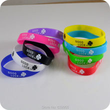 Good Luck Clover Lucky grass wristband silicone bracelet Fashion jewelry(China)