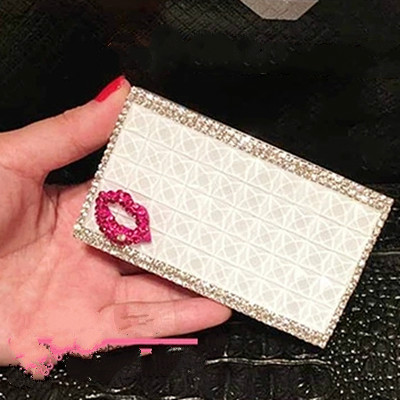 Beautiful Crystal Diamond Cigarette Case Gift 20 Cigarettes Can Be Loaded Beautiful And Creative The Lady Cigarette(China (Mainland))