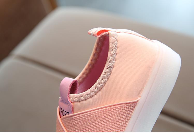 أحذية الأطفال مضيئة 10