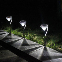 Outdoor LED Solar Powered Garden Path Stake Lanterns Lamps LED Diamonds Lawn Light Solar Light Pathway 2016 --M25(China)