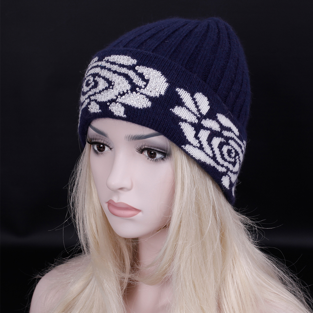 2017 Winter Super thick wool hat with Rhinestone Beanies caps elegant flower Knit hat Warm winter ski cap for women gorrosОдежда и ак�е��уары<br><br><br>Aliexpress