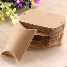 50pcs Candy Box Kraft Pillow Shape Wedding Party Favor Gift Box Anti-Scratch Box Sweet Boxes Wedding Party Gift Bag Name Label