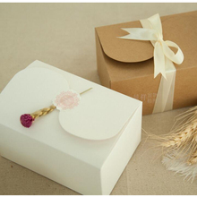 10pcs/lot White And Kraft Paperboard Butterfly Buckle Biscuit Packing Boxes Cookie Gift Box Package Pastry Cake Box