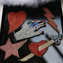Handmade Rhinestone sequin 3d Patches for clothing Sew on beaded patch hand heart applique for clothes decorative parches star(China)