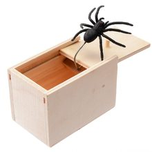 Novelty Hilarious Spider Scary Box Prank Wooden Scary Box Joke Gag Toy Gadgets For April Fool's Day(China)