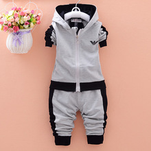 kids 2017 Spring and Autumn new boys and girls children' s cotton long - sleeved hooded jacket + trousers baby boy clothes