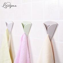 LMETJMA 4pcs/lot Wash Cloth Clip Holder Kitchen Dishcloth Holder Bathroom Towel Holder Plastic Bath Towel Hanger KCBII011805X4