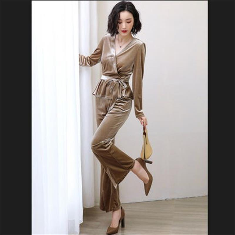 2019 Spring and Autumn new women's temperament gold velvet two-piece suit fashion