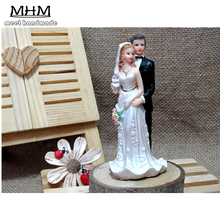 1PCS Wedding Cake Toppers Bride and Groom Figurines Resin White Stand Topper Accessories Casamento Decoration Decorating Tools