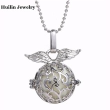Angel Wings Necklace  Pendant Aromatherapy Lockets Essential Oil Diffuser Necklace Perfume Locket