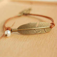 Simple vintage leather chain Imitation pearls feather charm bracelets for women 2015 handmade fine jewelry pulseiras femininas
