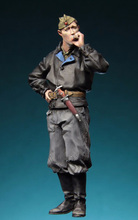 Free Shipping 1/35 Scale Unpainted Resin Figure Red Army Tanker 1943-1945(China)