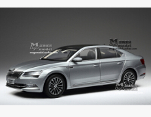 New SKODA SUPERB 2015 1:18 car model alloy metal diecast Shanghai Volkswagen original limit collection gift boy