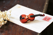 Vintage Arts and Crafts style Violin Wooden Brooch Fashion Unique Musical Instrument Pin Brooches Handmade Victorian