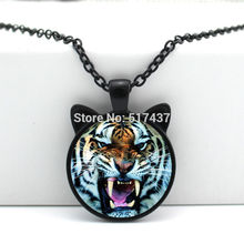 2017 New Howling Tiger Necklace Howling Tiger Pendant Jewelry Glass Cabochon Necklace Pendant HZ2-00112