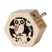 Hand-operated Hexagon Animal Hand Hollow Wooden Music Box 4 Different Patterns Toys Retro Birthday Lover Gift Home Decor #555