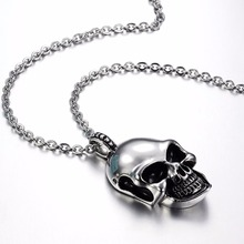 Retro Silver Skulls Necklace in Stainless Steel Halloween Jewelry
