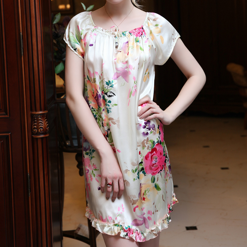 2017 autumn maternity sleepwear lounge silk plus spaghetti strap nightgown robe for pregnant women pajamas set dress with t back<br>